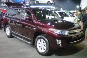 2013 Toyota Highlander Hybrid Wikimedia commons