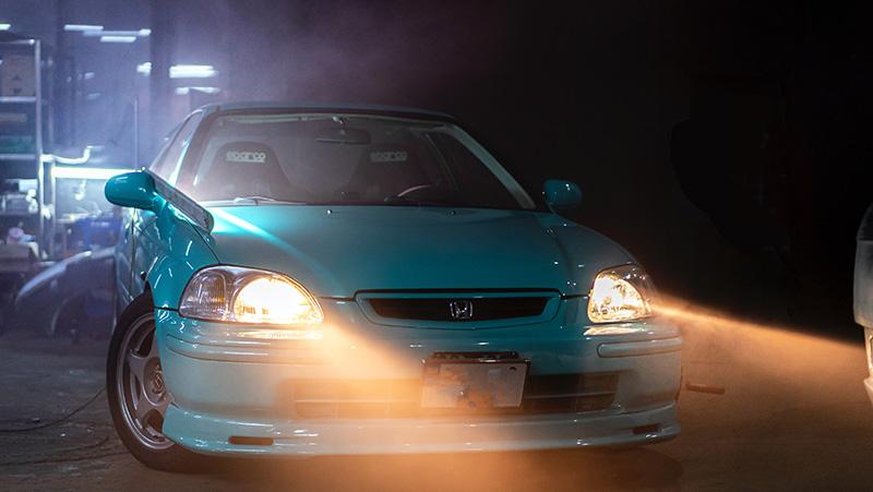 Car headlights left on, from Unsplash